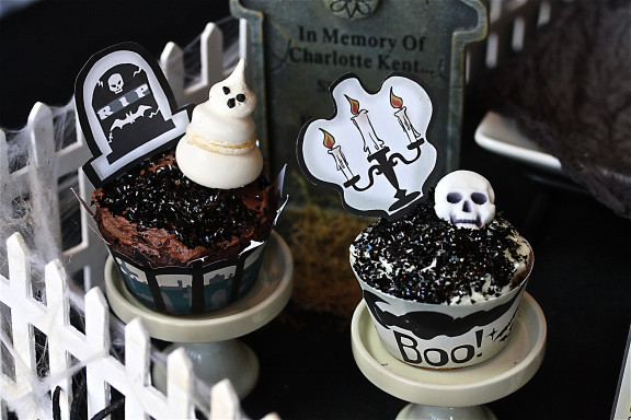 Halloween Graveyard Cupcake Plus Free Printables The Hopeless Housewife