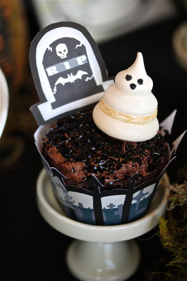 Halloween Graveyard Cupcake Plus Free Printables The Hopeless Housewife 10