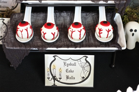 Halloween Party Table Plus Free Printables The Hopeless Housewife 9