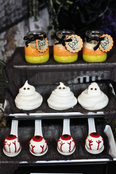 Halloween Party Table Plus Free Printables The Hopeless Housewife 7