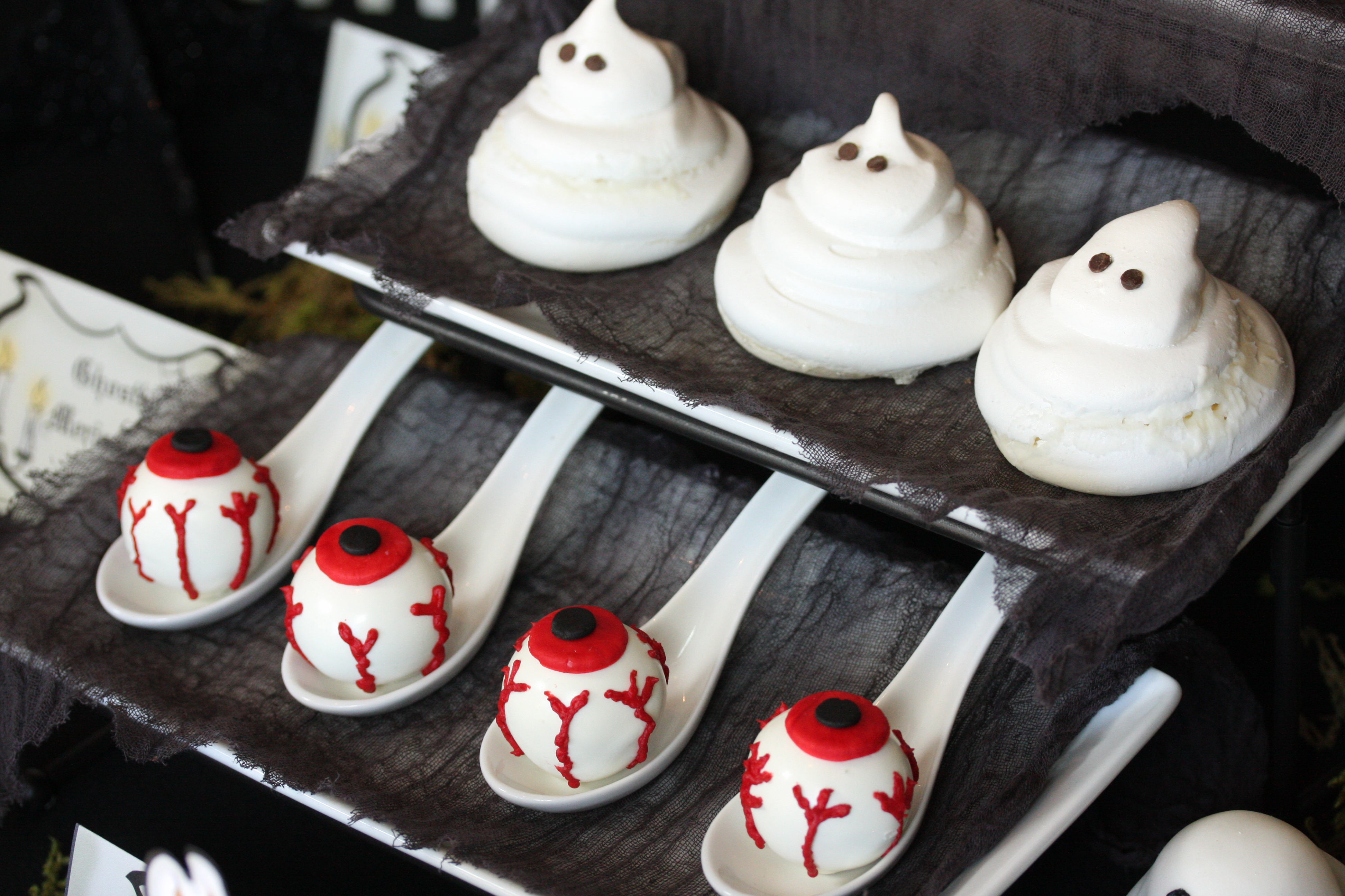 Meringue Ghosts - The Hopeless Housewife® - The Hopeless Housewife®