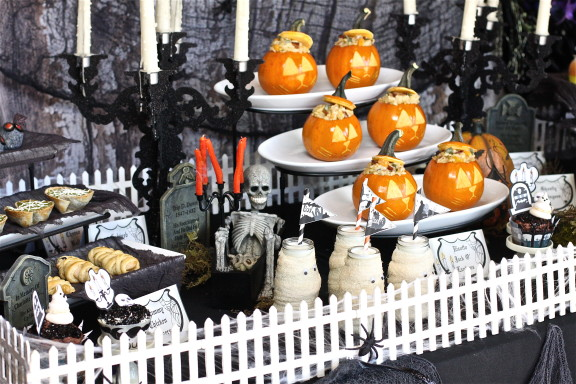 Haunted Mansion Graveyard Halloween Table Plus Free Printables The Hopeless Housewife