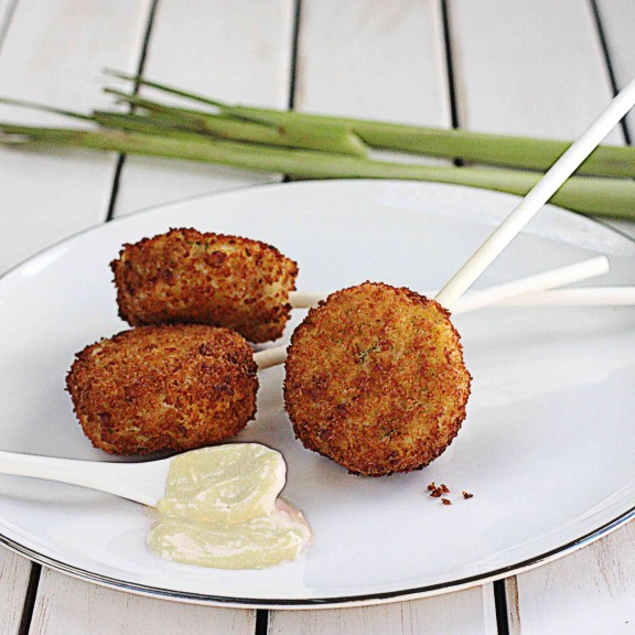 Crab Cake Lollipops with Easy Lemongrass Aioli