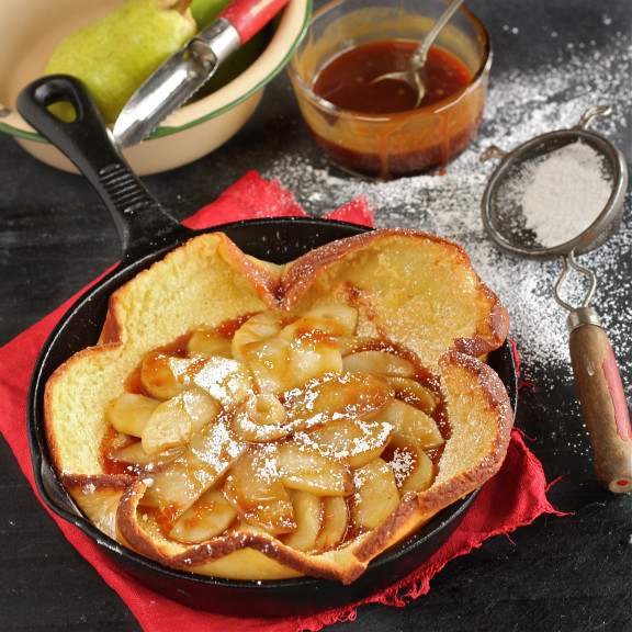 Bourbon Caramel Apple and Pear Dutch Baby The Hopeless Housewife