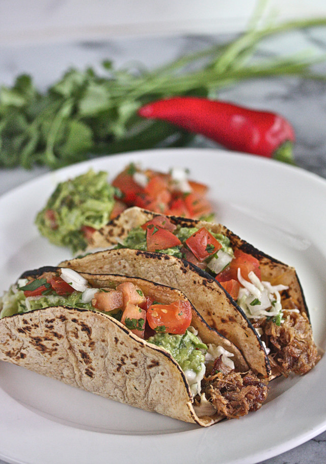 Beer-Braised Pulled Pork Tacos | The Hopeless Housewife