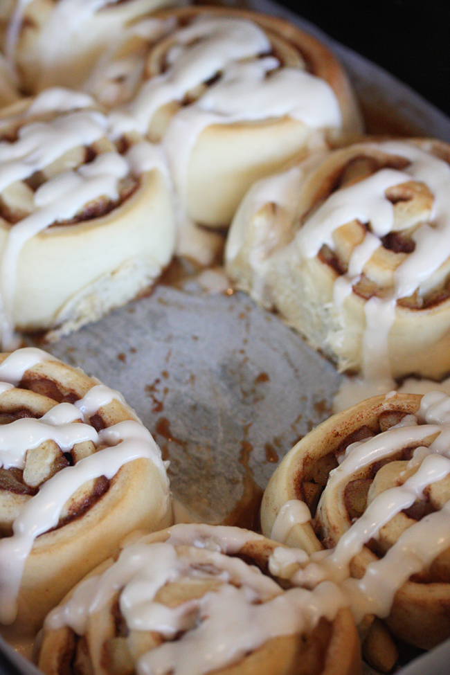 Apple Pie Cinnamon Rolls 10 | The Hopeless Housewife