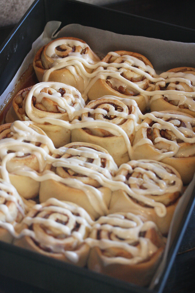 Apple Pie Cinnamon Rolls |The Hopeless Housewife